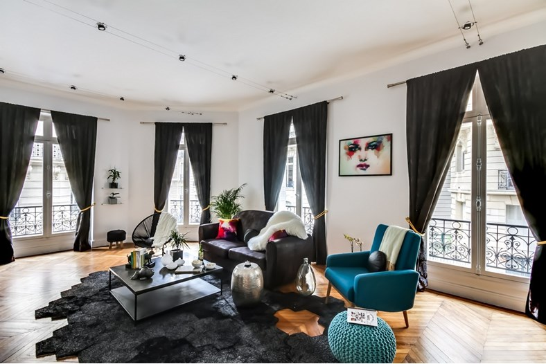 Sweet Inn apartment 'Cerisoles III' in Paris, situated in the Champs-Elysées district