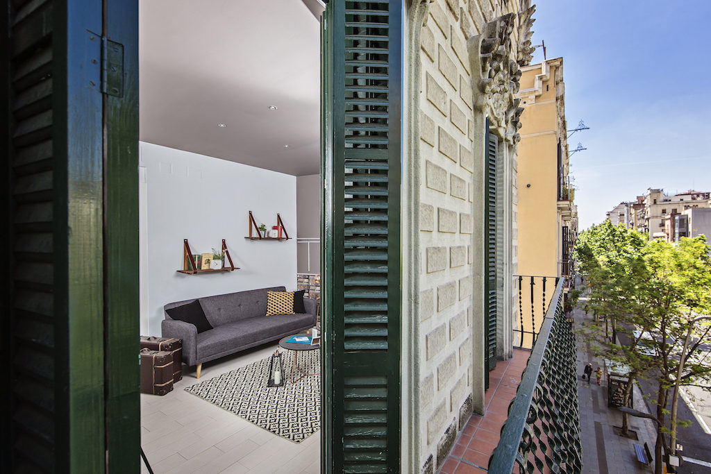 apartment with balcony in central Barcelona by Sweet Inn
