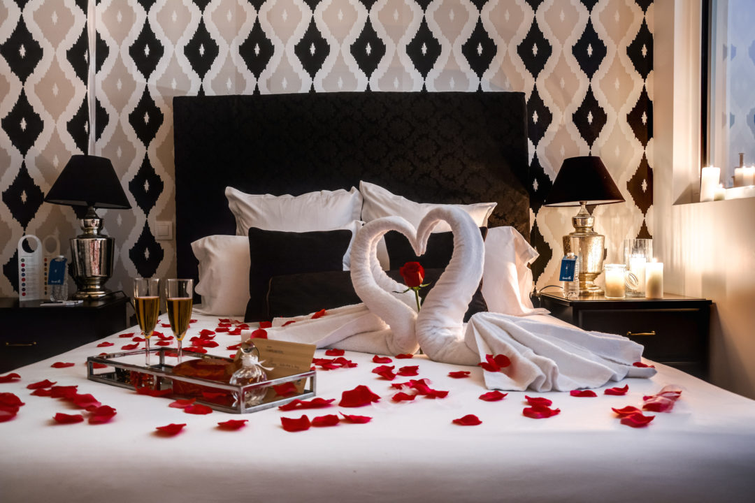 romantic set up in Ravignan I bedroom